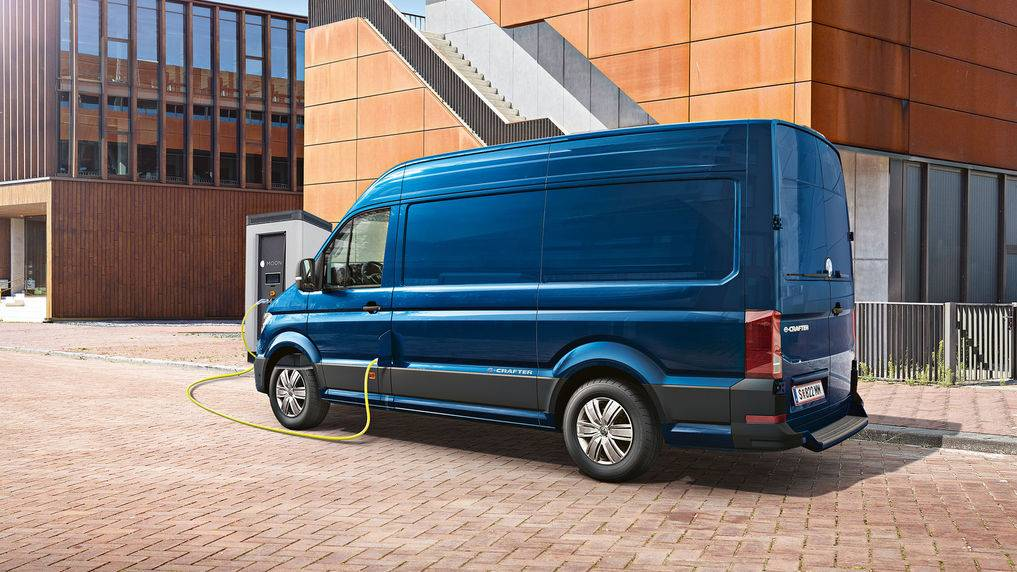 vw-e-crafter-blau-laden.jpg